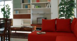 letti a castello, librerie, poltrone reclinabili