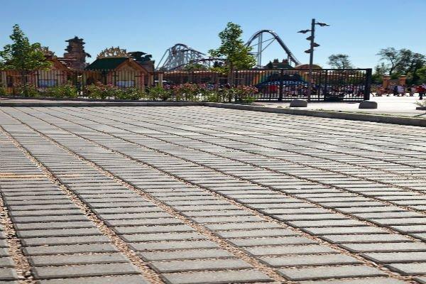 pavimentazione con mattonelle drenanti