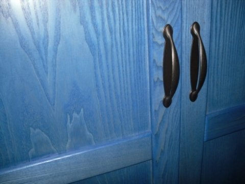 dettaglio armadio blu