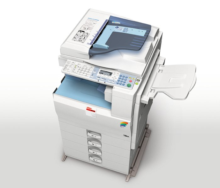 stampante fotocopiatrice grandi dimensioni per uffici