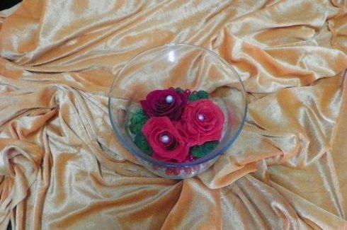 piccola composizione di fiori per tavoli