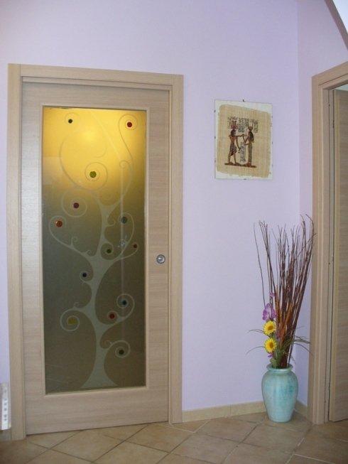 Porta da interni con vetro decorato