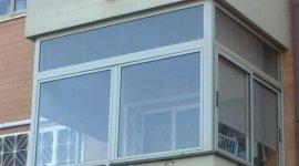 Chiusure balconi in alluminio ideal tecnodomus pomezia for Grate in legno per balconi