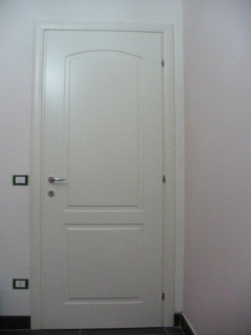 Porta pantografata laccata