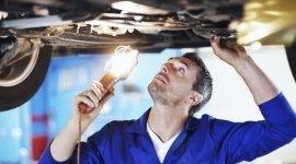 staff qualificato, officina automobili, attrezzatura di ultima generazione