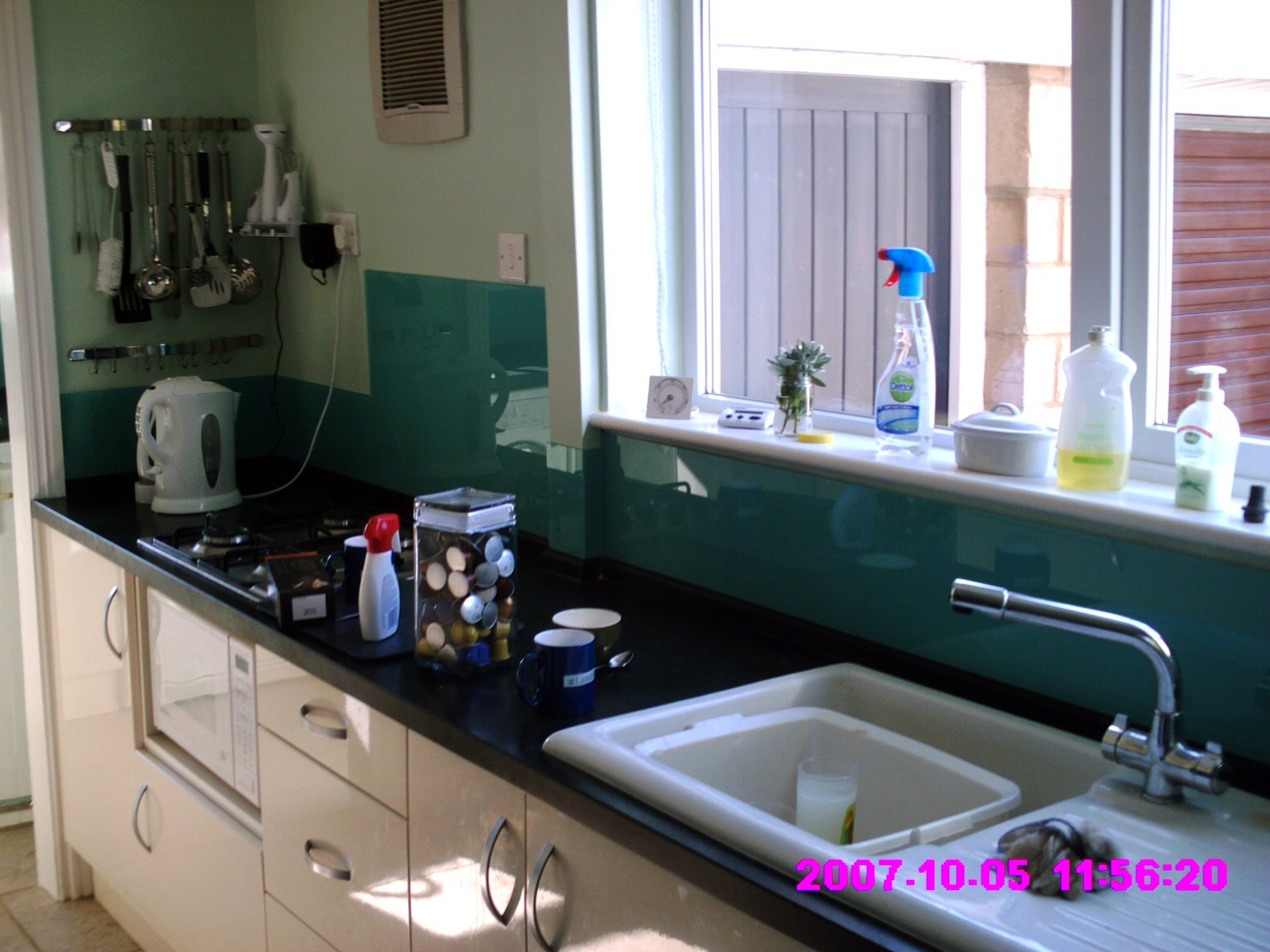Bespoke glass for kitchens