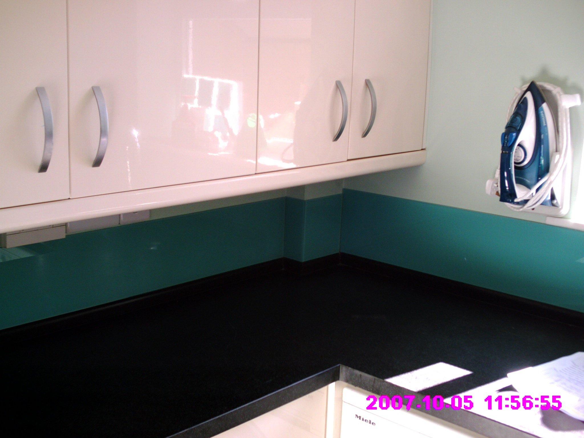 Glass for kitchen worktops