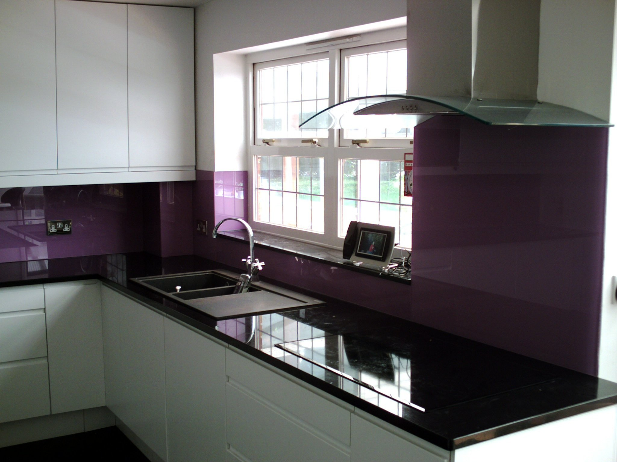 Quality glass for kitchens