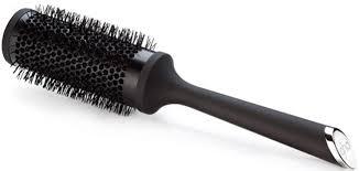 Una spazzola rotonda di color nero