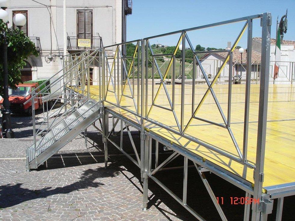 Palchi modulari per eventi e manifestazioni