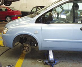 tyre-check-greenwich-greater-london-a-&-b-motors-tyre-replace