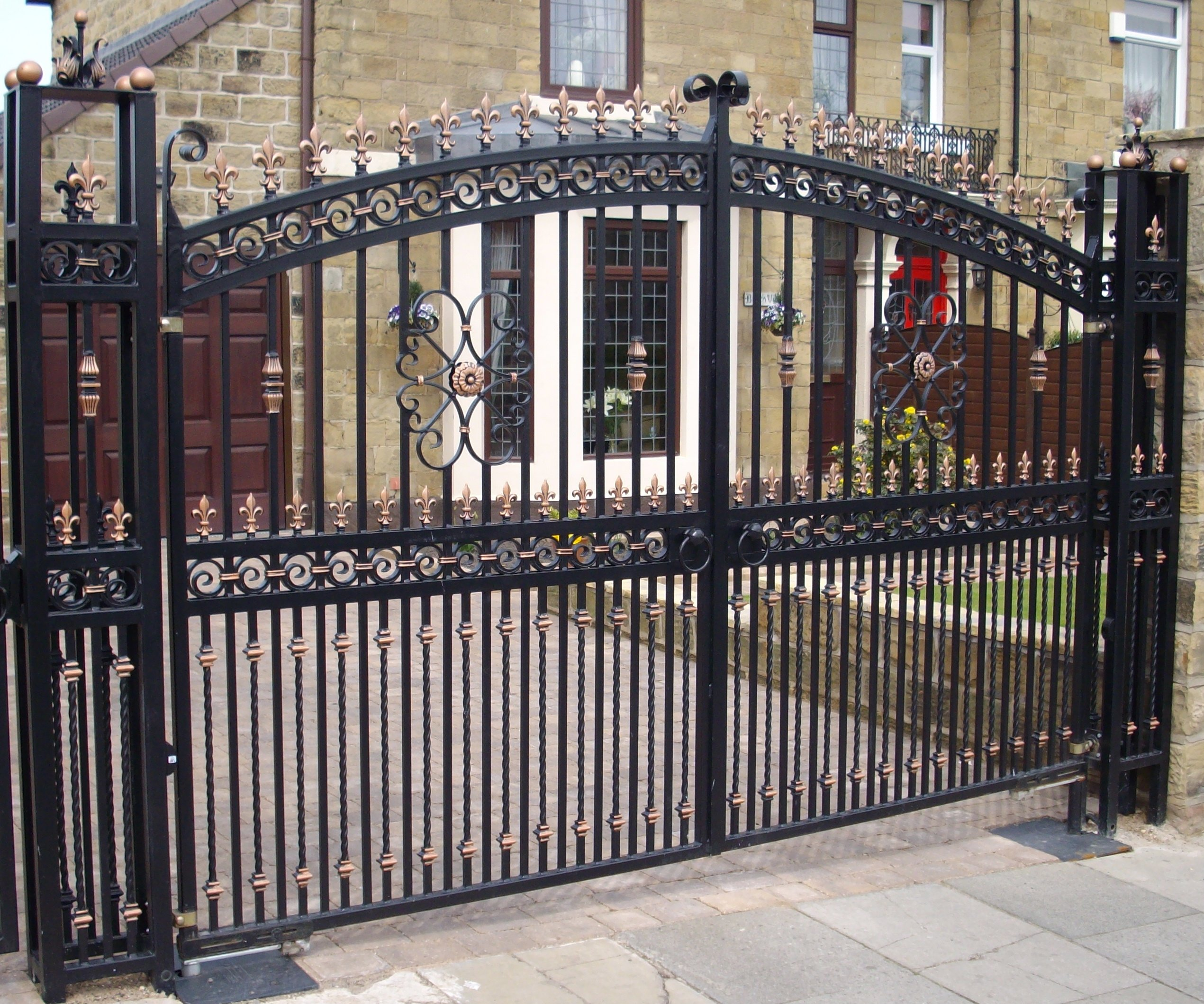 new house driving gate