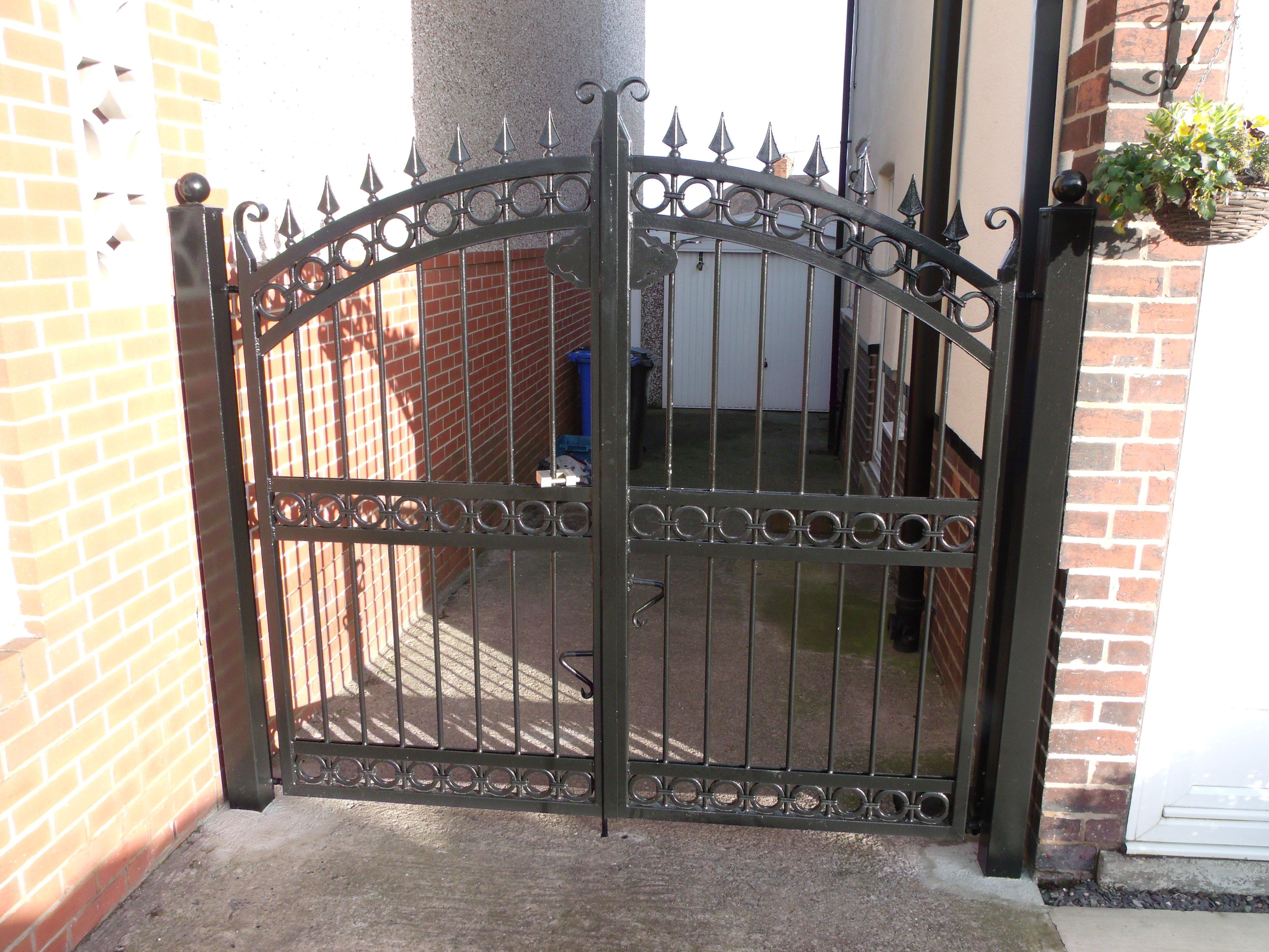 small black drive gate