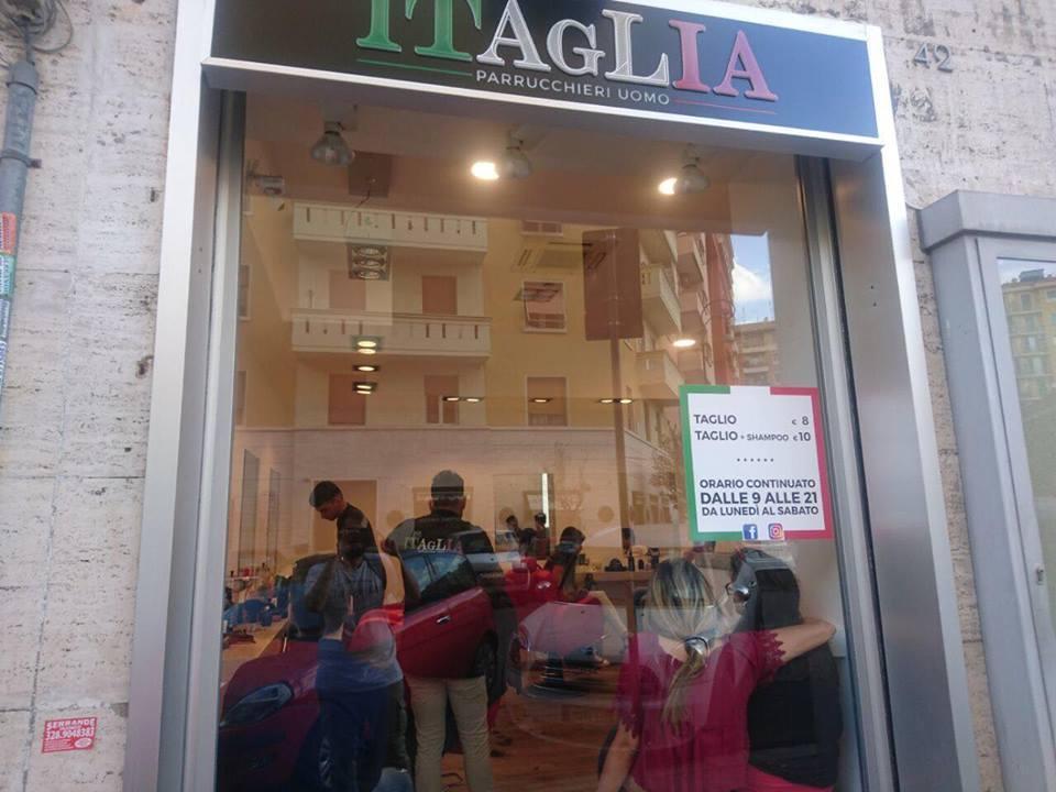 vetrina parrucchiere ITAGLIA