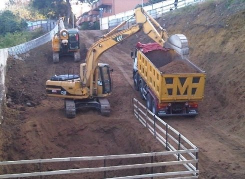 Trasporto terra, movimento terra, camion, caterpillar
