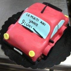 torta decorata per compleanni