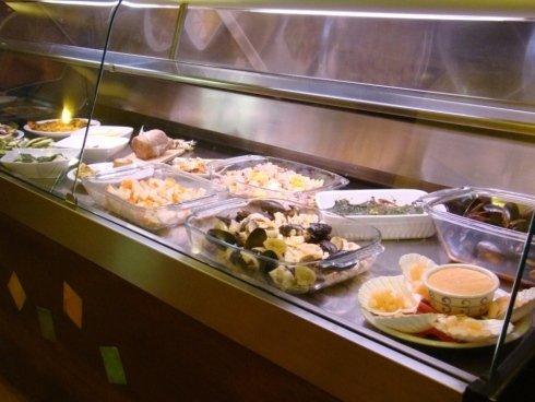 Esposizione piatti freschi