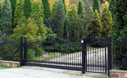 Iron gate and fencing service in Columbia, MO