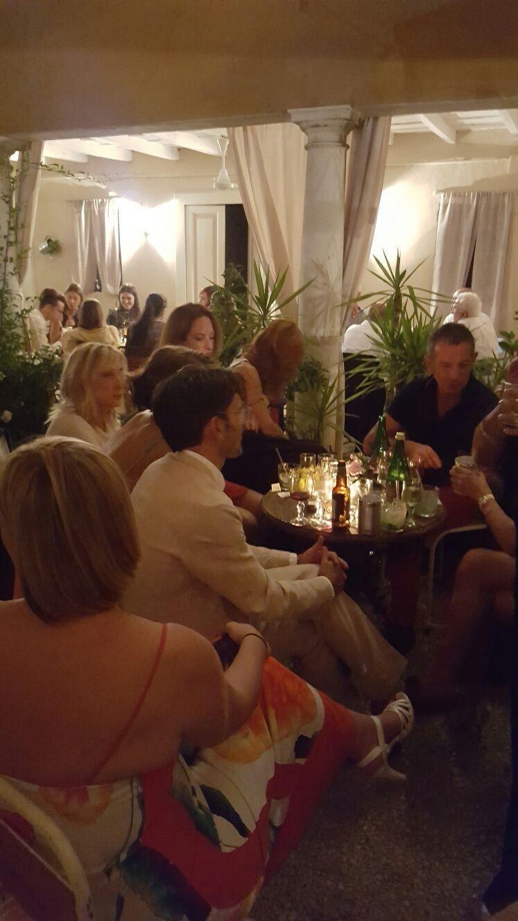 Interno del ristorante il Melograno