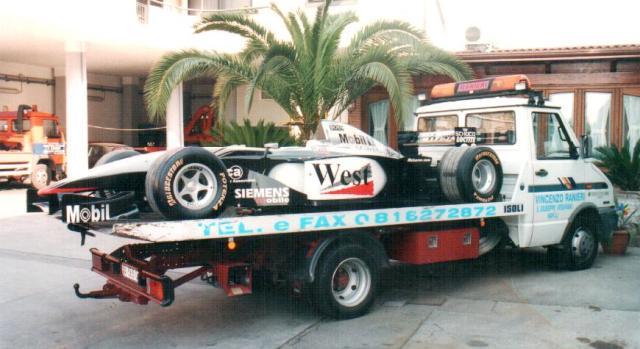Trasporto auto da corsa F1 Autosoccorso Ranieri San Giuseppe Vesuviano