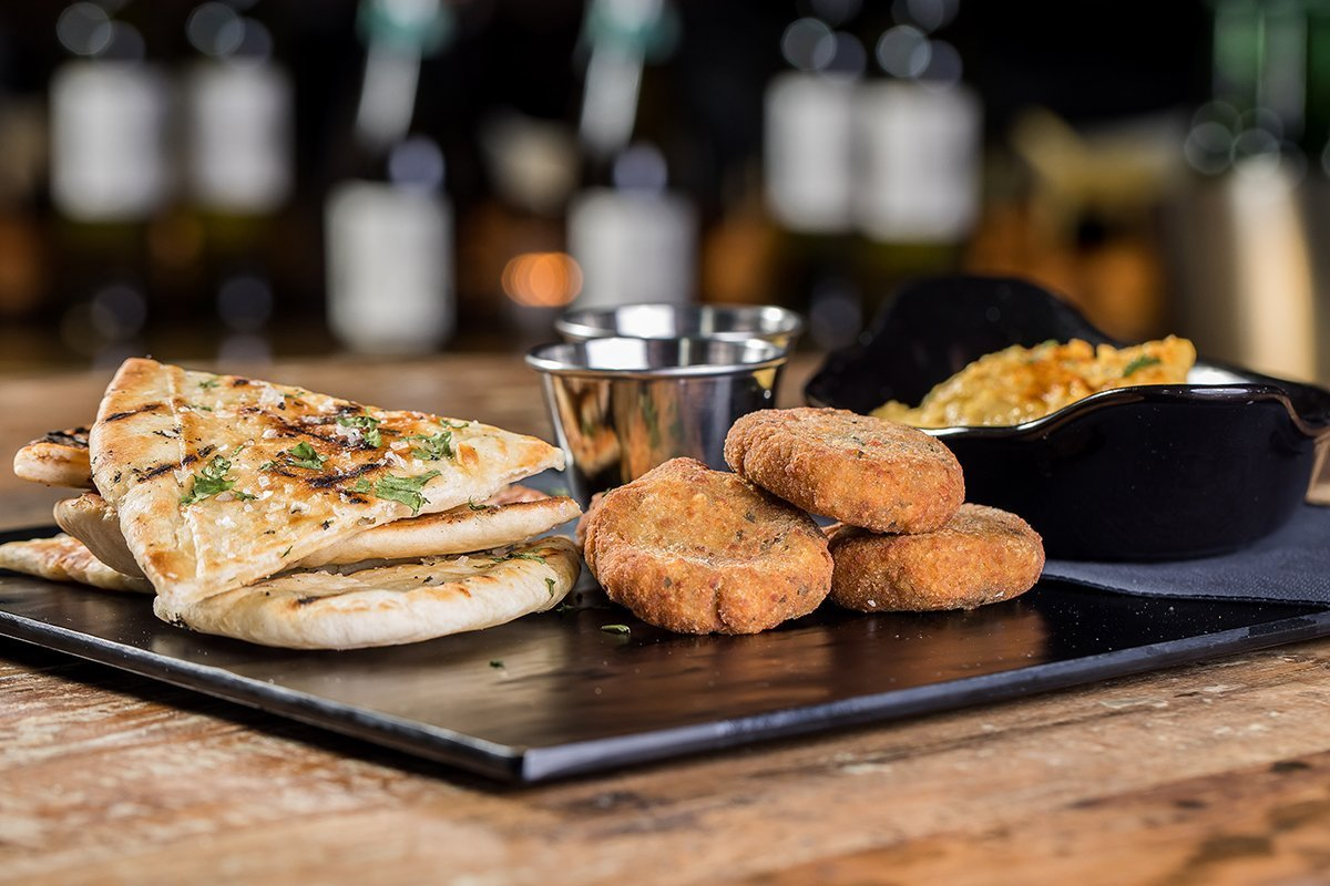 falafel, hummus and flatbread