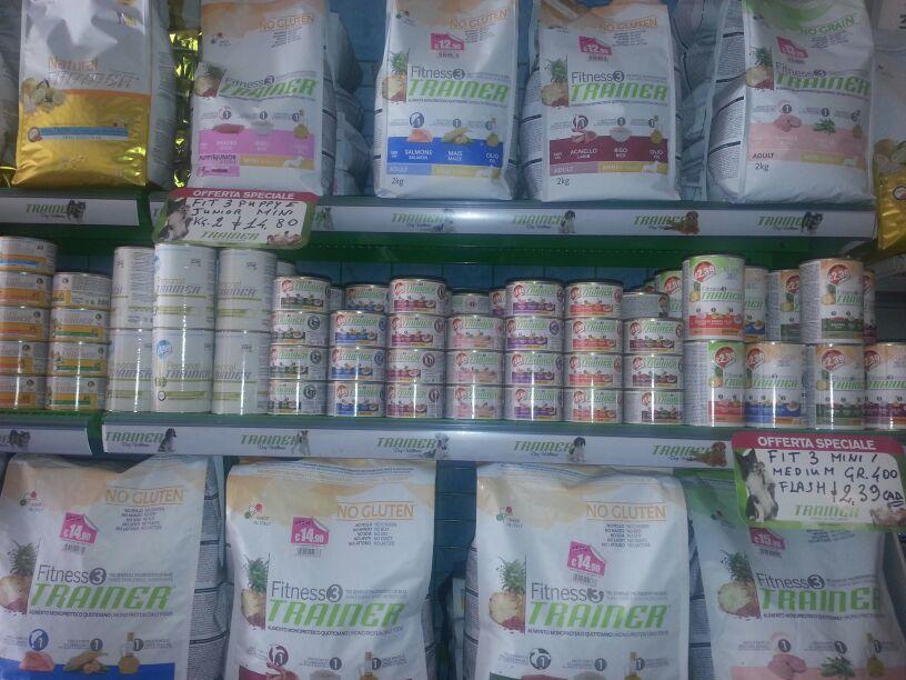 accessori per pollai, accessori per volatili, accessori per animali da cortile, mangimi per animali da cortile, mangimi per animali, mangimi per animali domestici, mangimi per cani, mangimi per gatti, mangimi specifici, zootecnica, viterbo