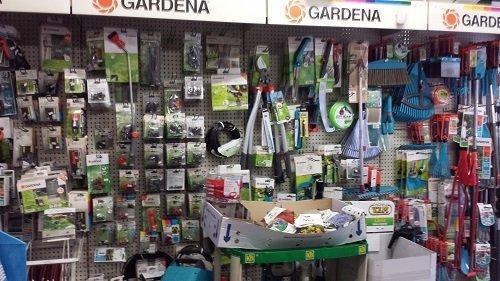 dell'attrezzatura per giardinaggio