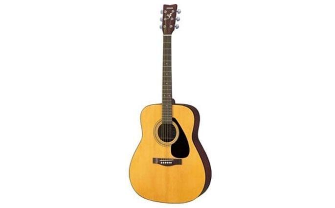 """Chitarra Acustica Yamaha F310: l'imbattibile valore di questa chitarra """"dreadnought"""" ha sancito il grande successo della F310. La scelta perfetta per i principianti più esigenti. Disponibile anche in versione elettroacustica."""
