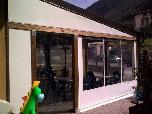 chiusura completa portico legno