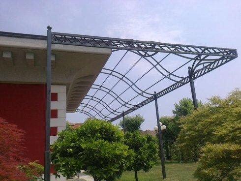 struttura ondulata portico