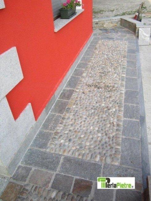 vialetto di pietra