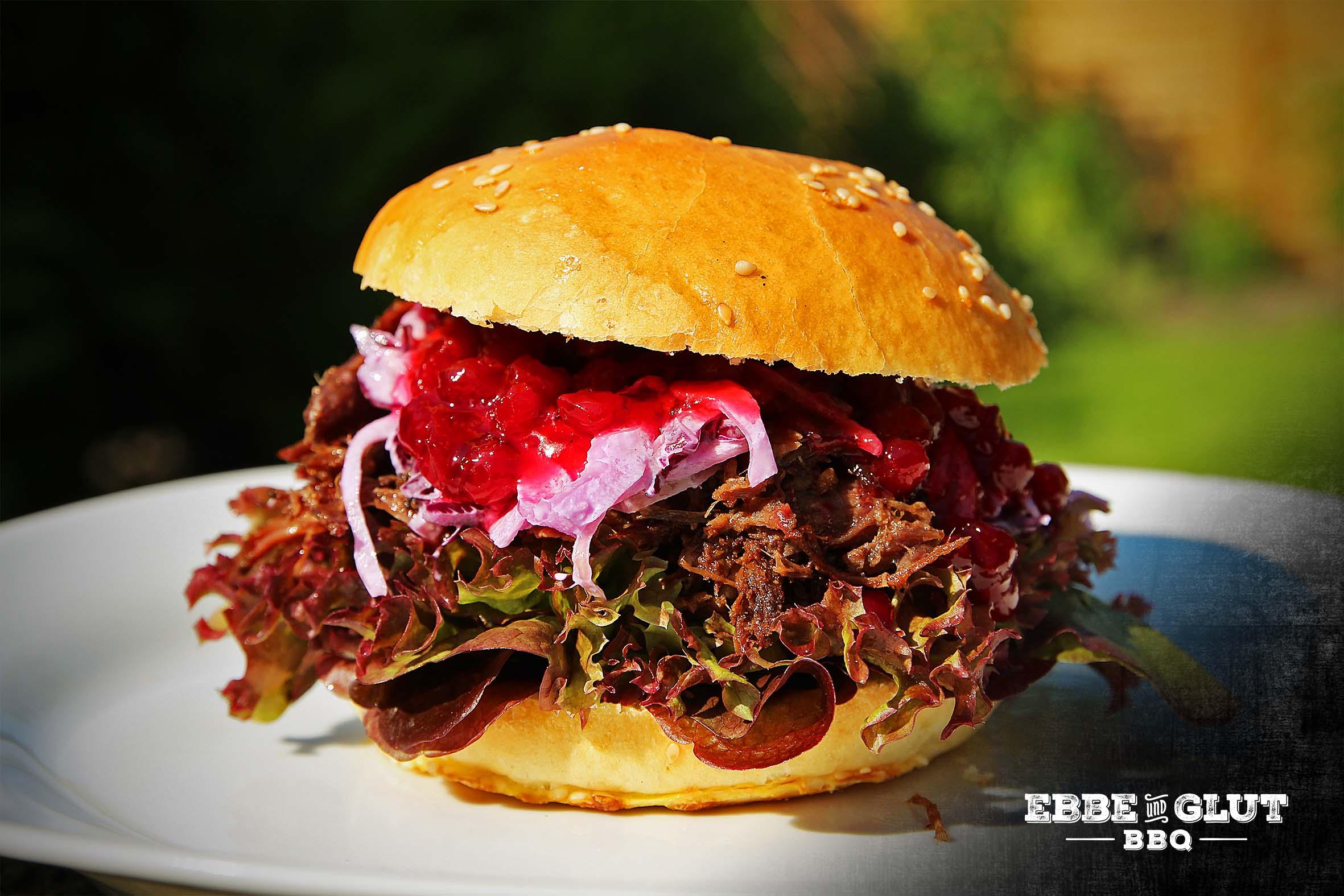 Pulled-Wildschwein-Burger