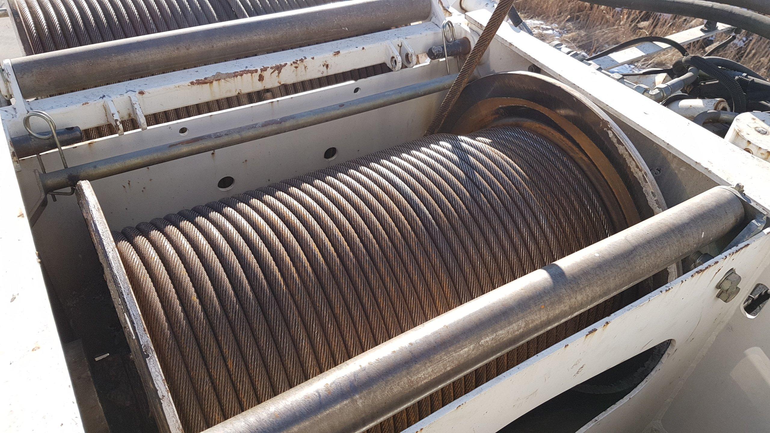 Meccanismo per l'avvolgimento di un cavo in metallo