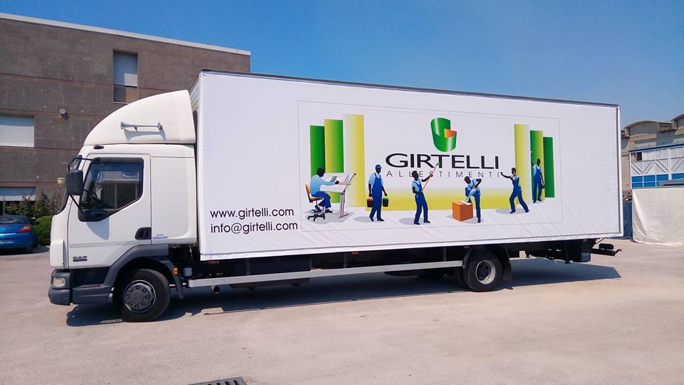 camion con scritta girtelli