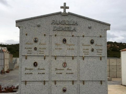 realizzazione monumenti funebri