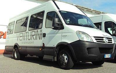 minibus con conducente