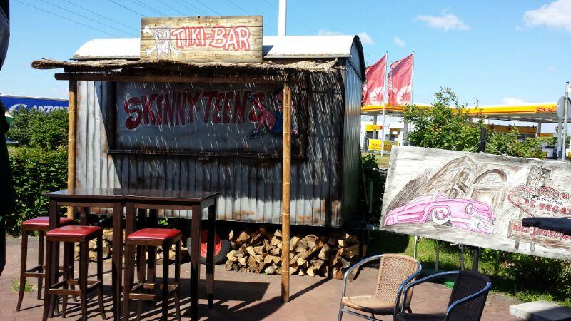 Johnnys Roadhouse Diner Biergarten