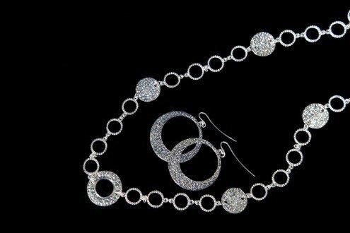 collana e orecchini d'argento