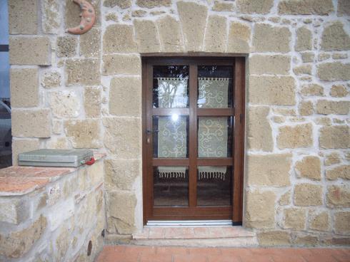Porta in PVC, Vetro Termico di Sicurezza, Stile Rustico alla Toscana, Pitigliano