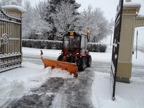 pulizia strade da neve