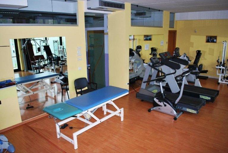 Esercizi di movimento attivi e passivi