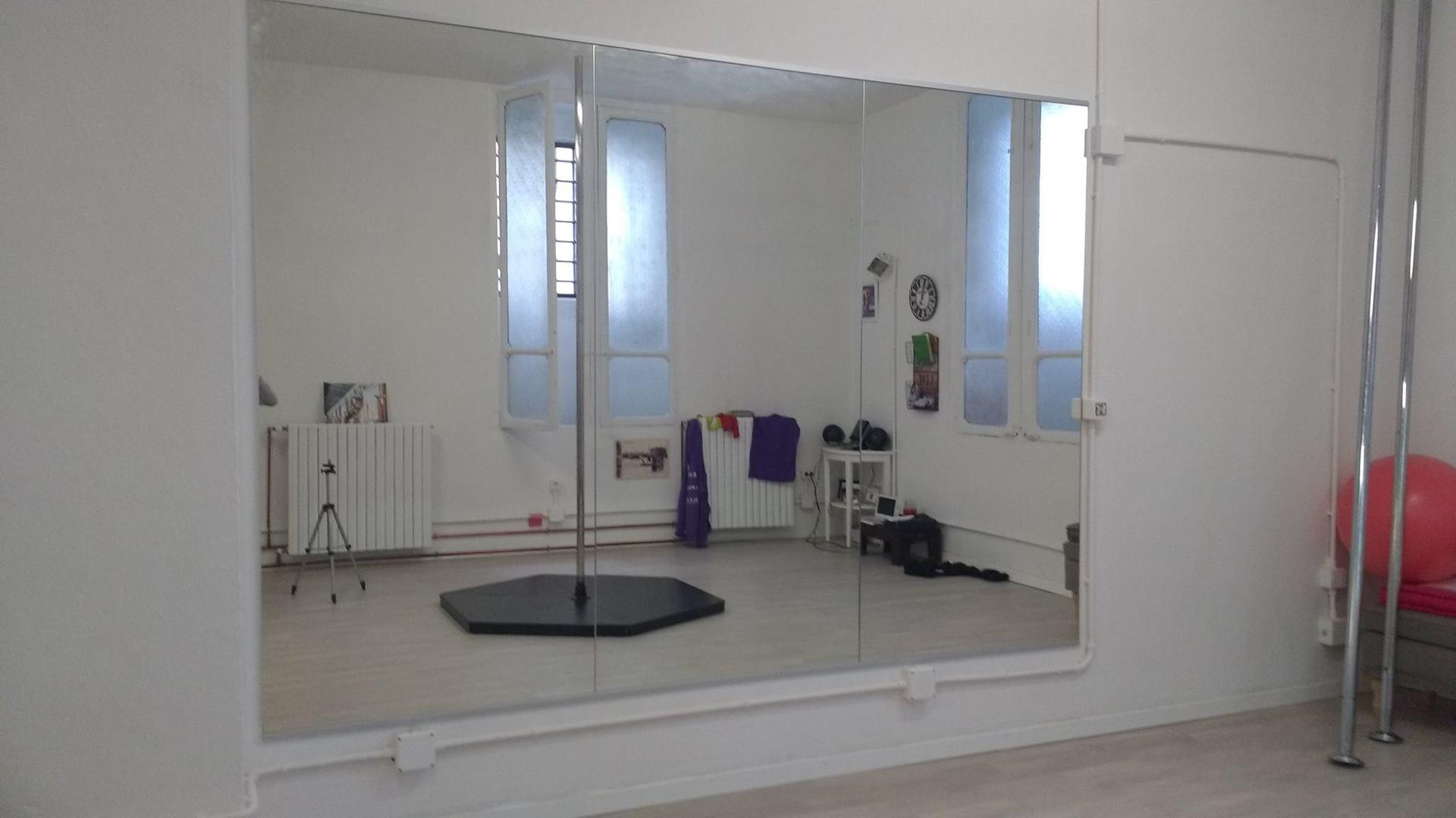 lavorazione di uno specchio