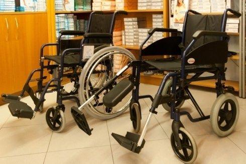 noleggio carrozzelle disabili