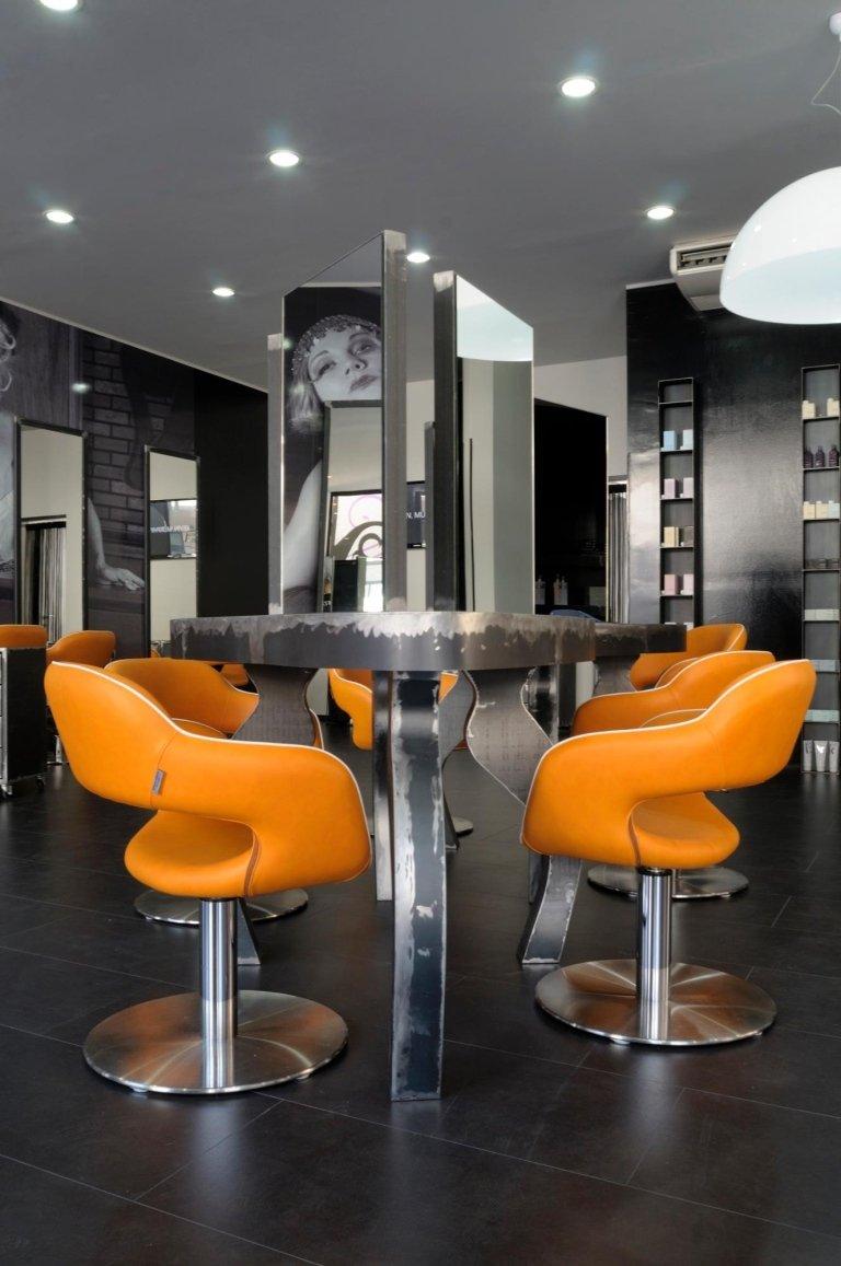Arredi per parrucchieri e centri estetici milano fremis for Arredamento parrucchieri usato