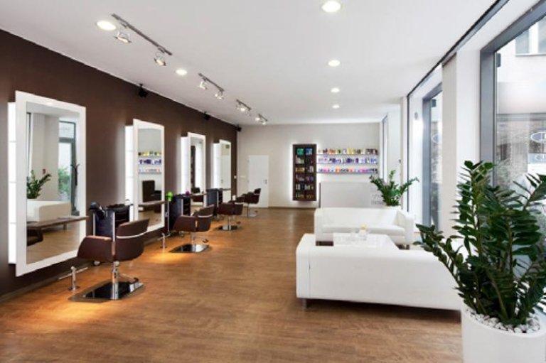 Negozio parrucchiere arredamento pf95 regardsdefemmes for Arredamento parrucchieri outlet