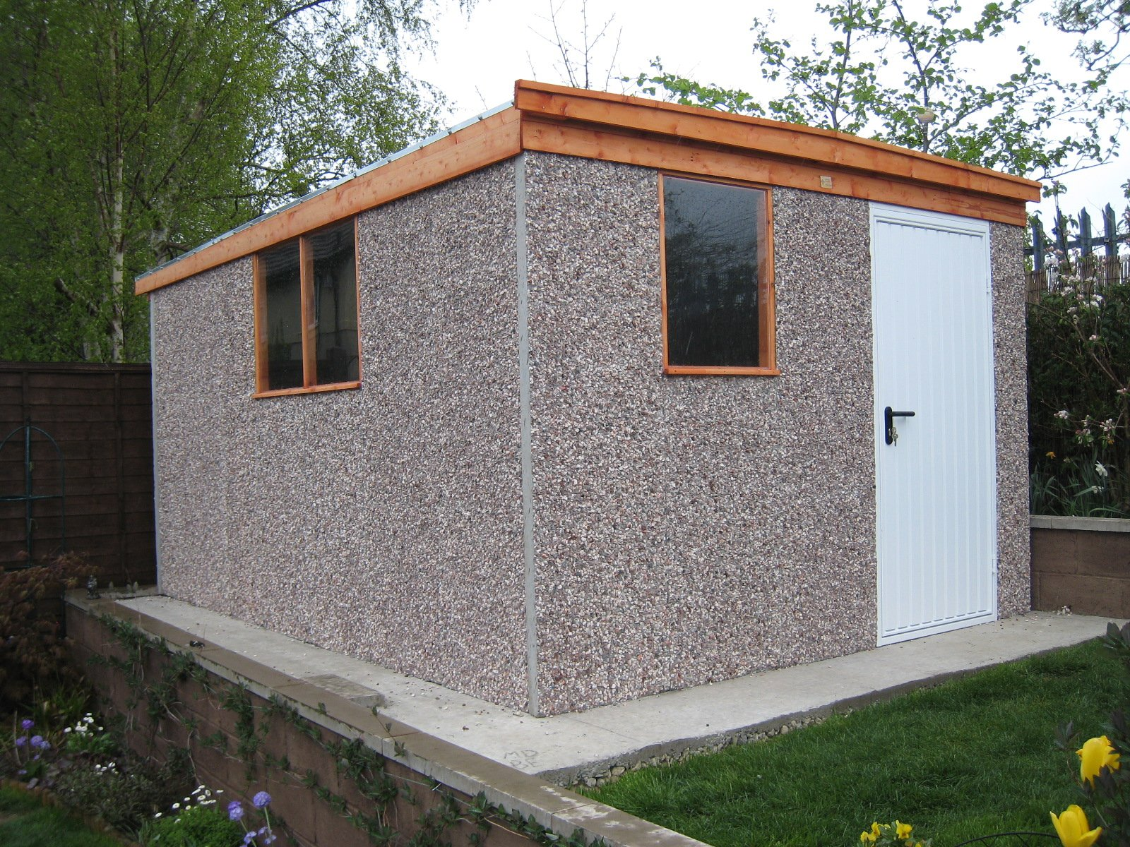 Pudsey Concrete - Pent shed
