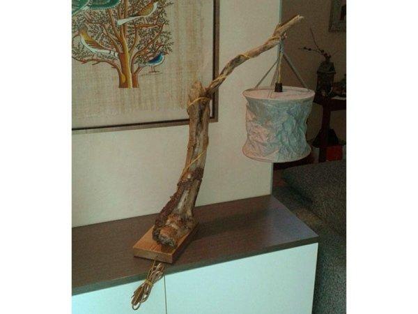 lampada con legno