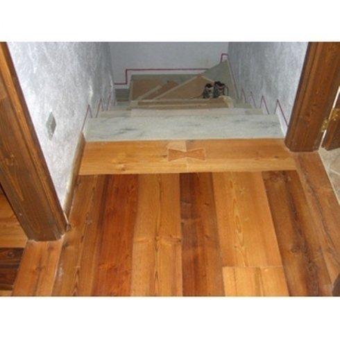 Decorazione pavimento parquet