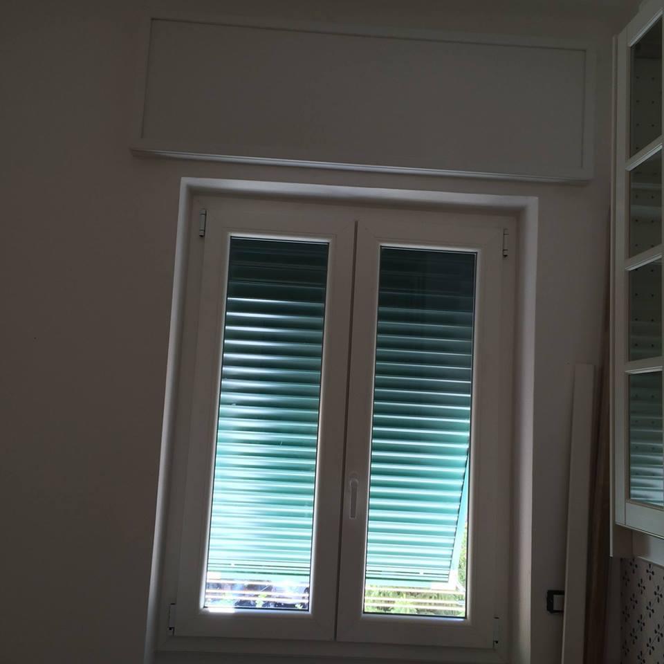 Tende da sole genova ge secura serramenti - Zanzariere per finestre genova ...