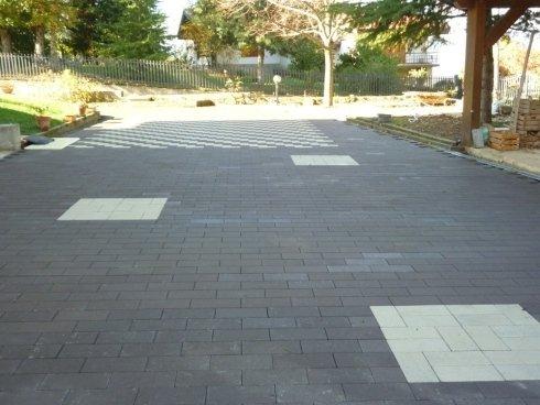 pavimentazione con piastrelle
